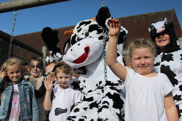 World School Milk Day Celebrations A-moos Pupils at Walsall Primary School